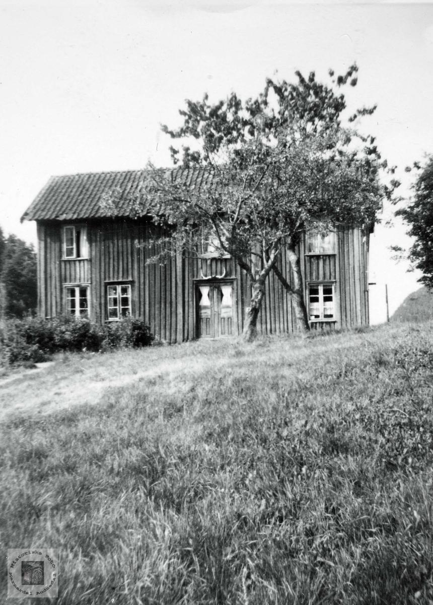 """Gamlehuset på """"Hauan"""", Ågedal. Grindheim Audnedal."""