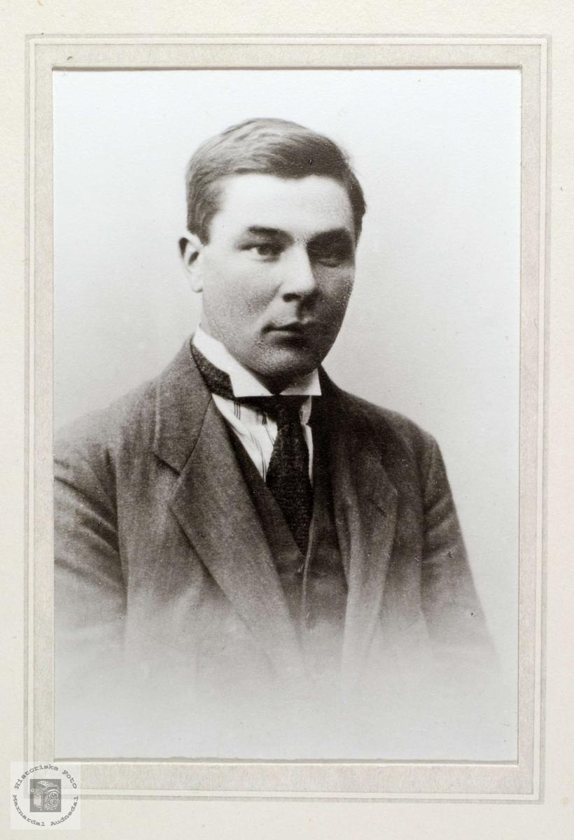 Portrett av Bent Krågeland, Laudal Marnardal.