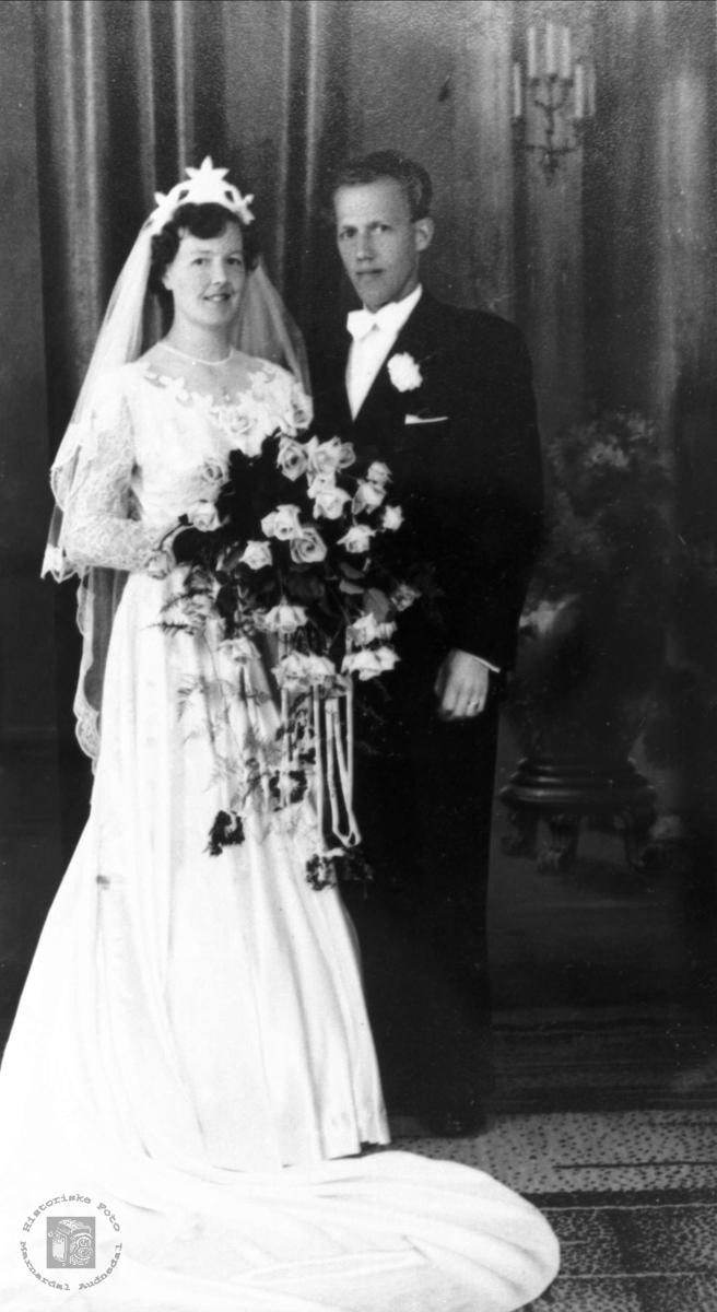 Brudebilde av Torborg og Bjarne Ågedal
