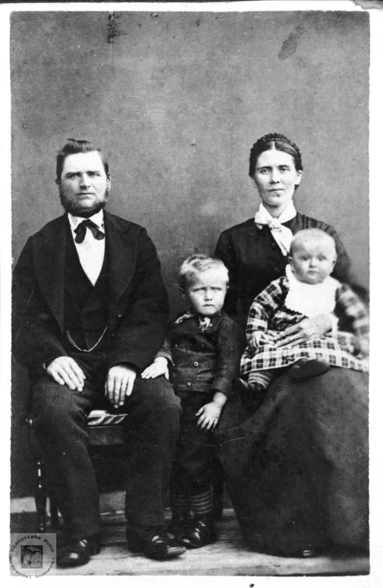Portrett av familien Høye