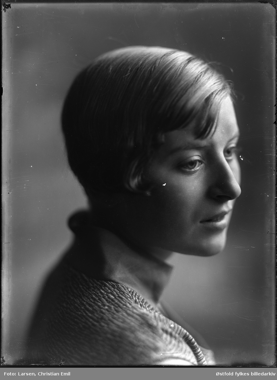 Portrett av ukjent kvinne.