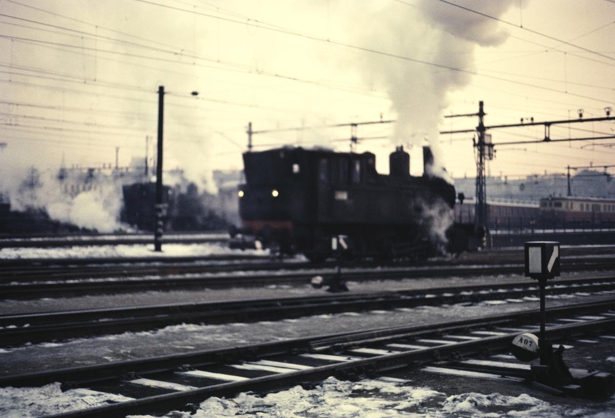 Skifting på Oslo Ø med damplok type 23b.