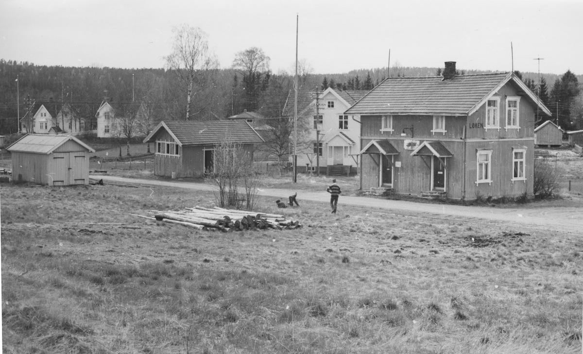 Fra Løken stasjon noen år etter nedleggelsen.