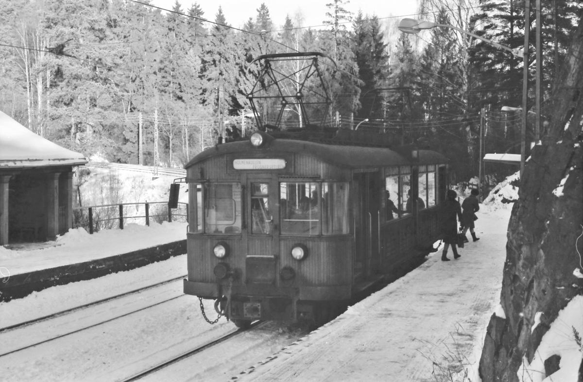 A/S Holmenkolbanen. Holmenkollbanen. Vogn 609, type 1951 (Skabo, NEBB).
