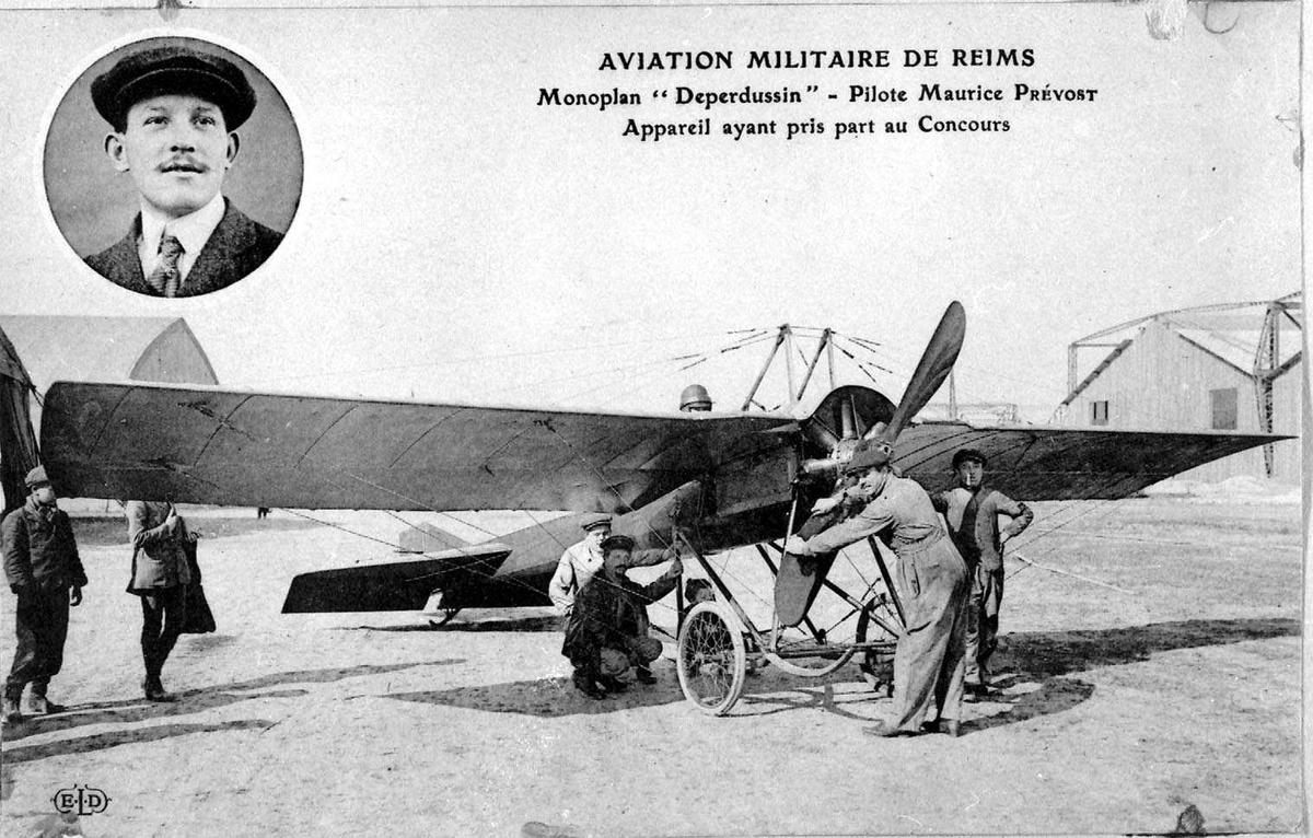Ett fly på bakken, R.E.P. Flere personer, menn, ved flyet.. Portrett av en person, mann, innfelt.