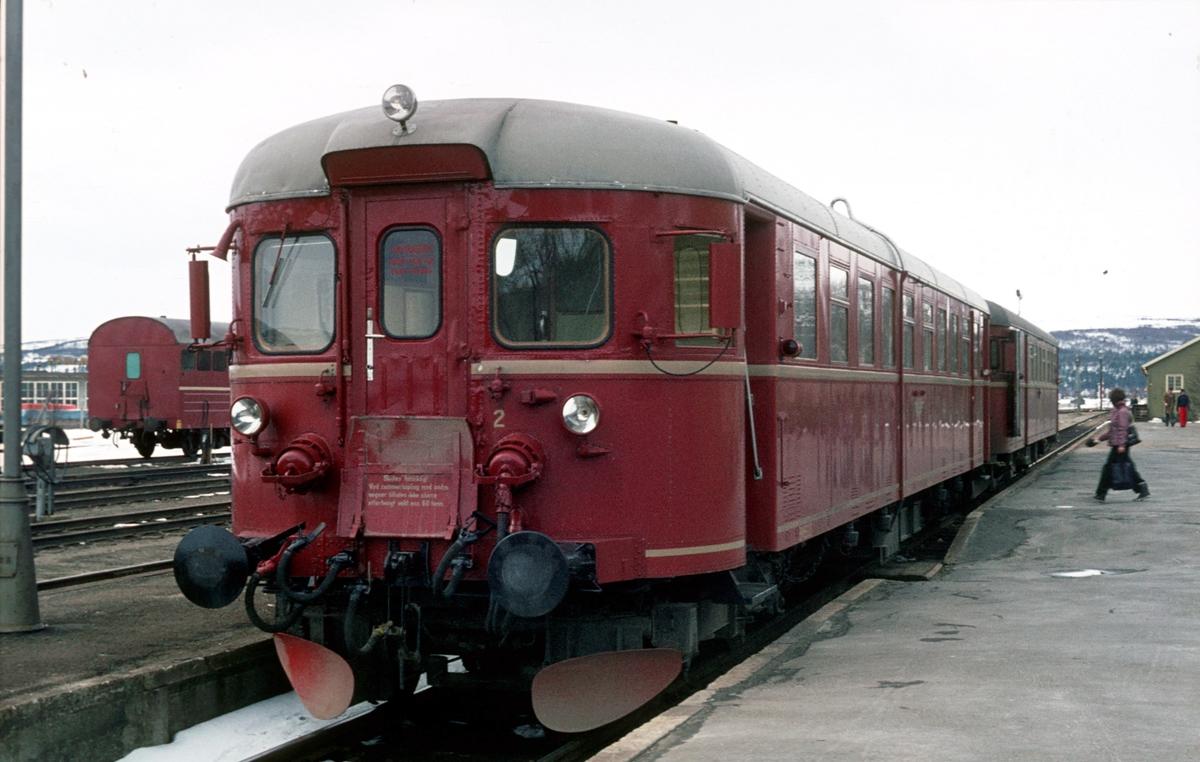 Persontog til Hamar på Røros. Pt 372. BM 86G 13.