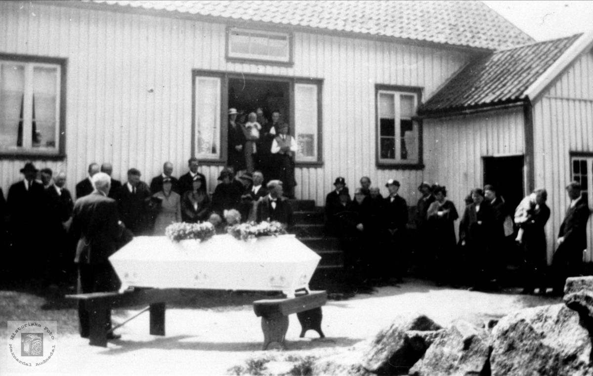 Gravferd til Bent Osufsen i 1937.