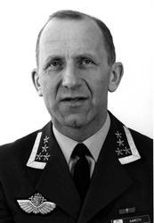 Portrett av en mannlig offiser - militær person. Ob. Olav A