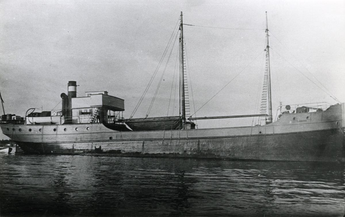 Ägare:/1929-37/: ett partrederi, Huvudredare: Erik Nylund. Hemort: Mariehamn.