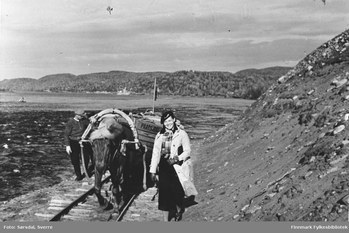 Bilde viser Else Sørsdal på ferie i Nord Finland i 1936.
