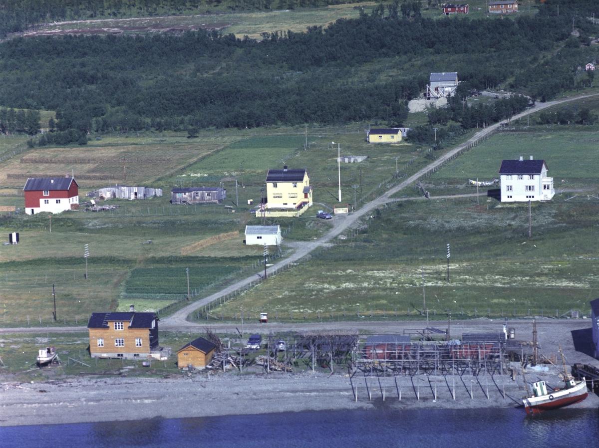 Flyfoto fra Lebesby. Negativ nr. 122715.
