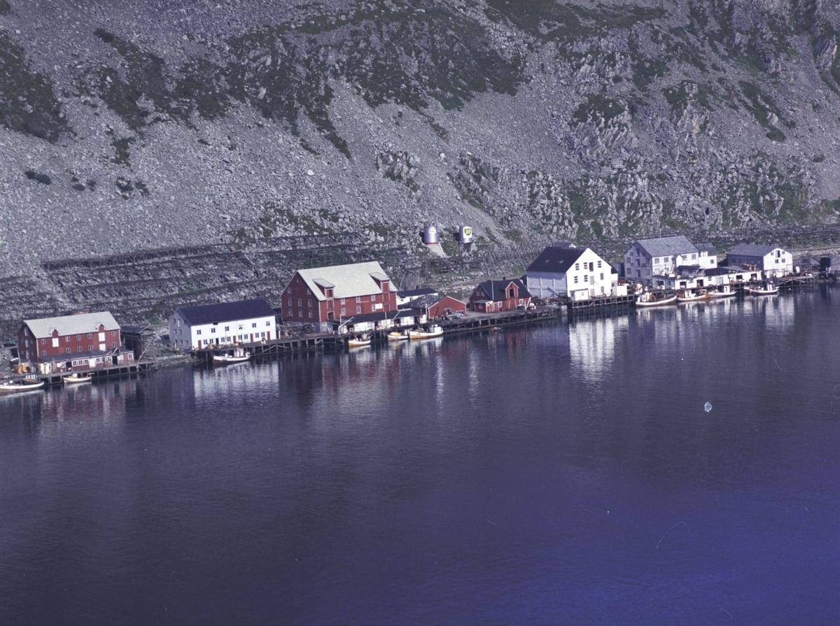 Flyfoto fra Kjøllefjord. Negativ nr. 122731. Kjøllefjord.