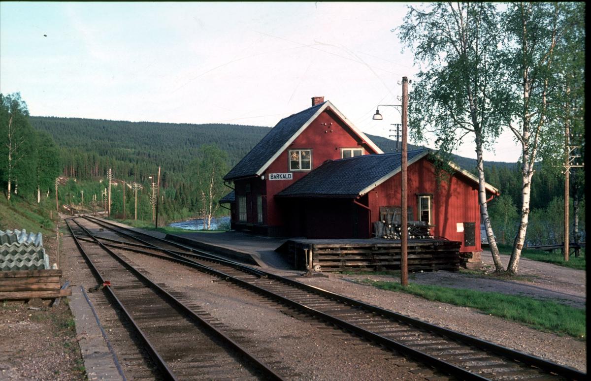 Barkald stasjon.