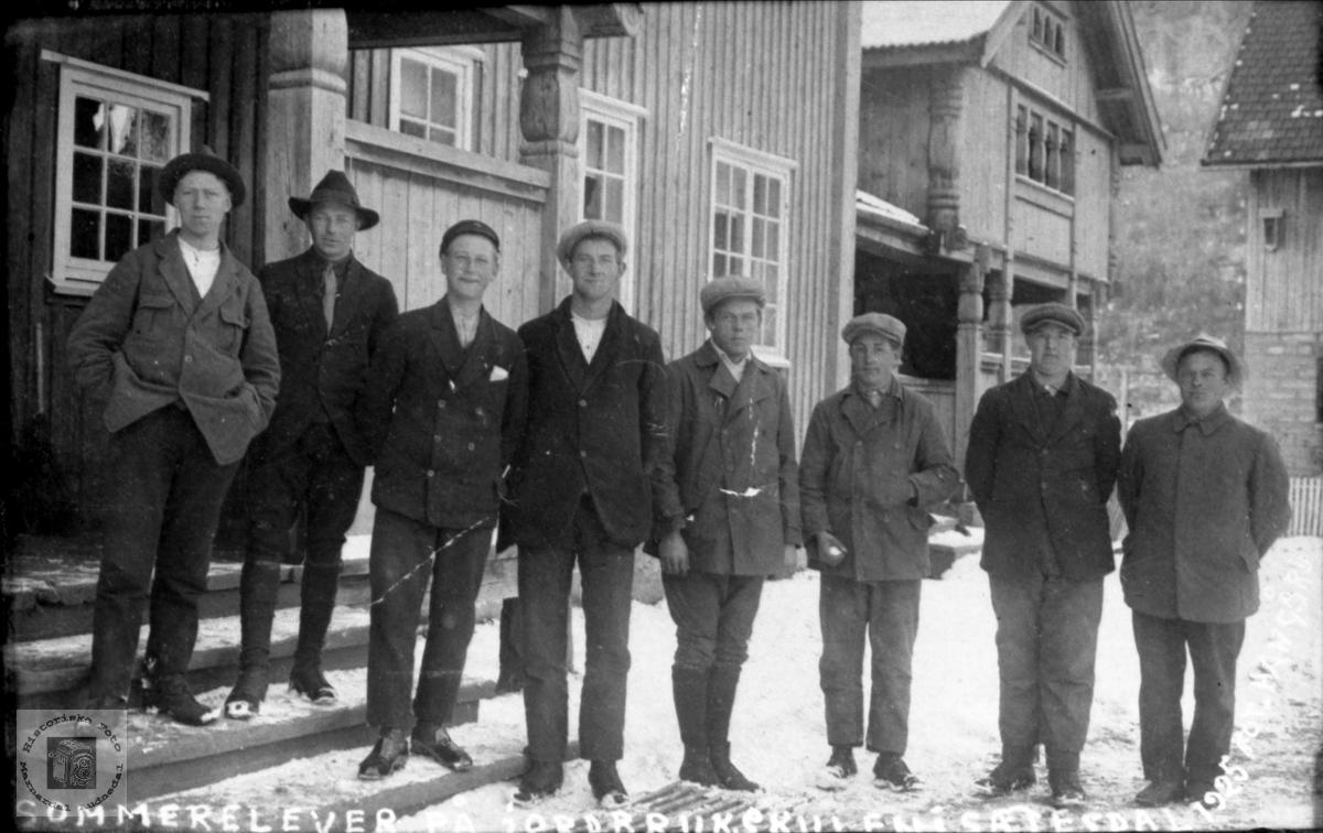 Sommer elever ved jordbrukskolen i Setesdal