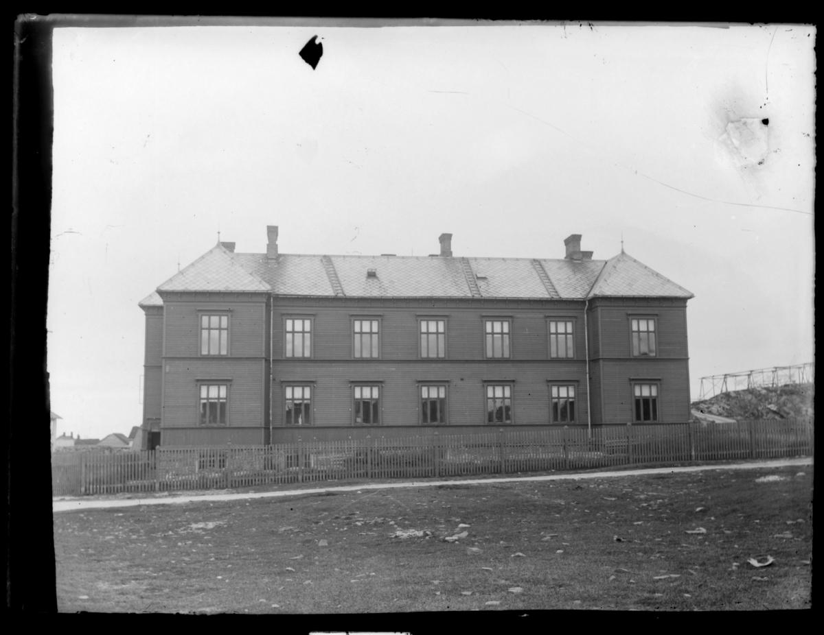 Sykehuset i Vardø. Åpnet i 1898, bombet av tyskerne i 1942.