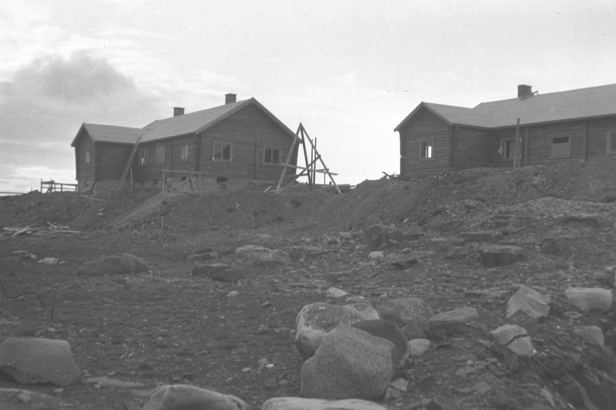 To nye bygninger på Grensen i  Vadsø.