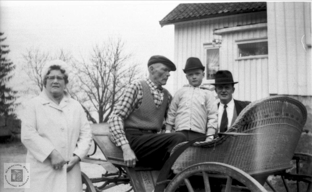 Skal på tur. Folk fra Venevoll, Ågset.