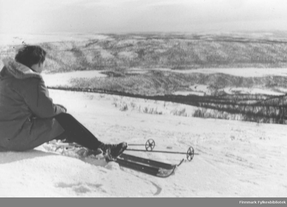 Påsken 1958 - Ruth Ellila på skitur i Luftjok i Tana