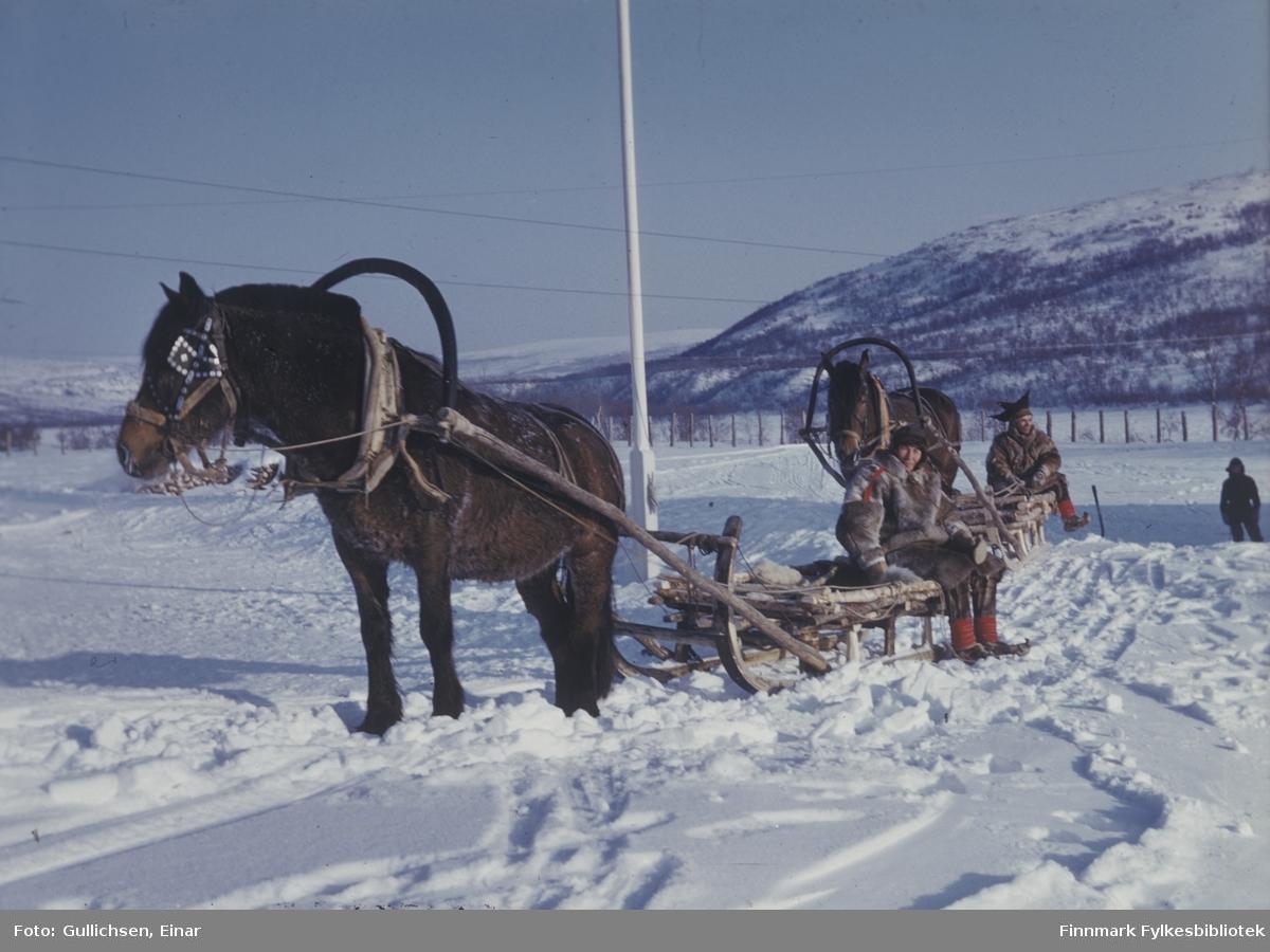 Sirma var strøm- og veiløs på 50-tallet. Hesteskyss og elvebåt var fremkomstmidlene.
