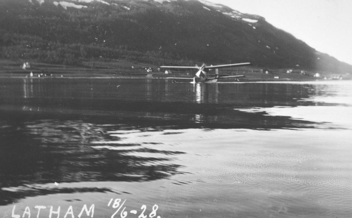 """Påskrift: """"Latham 18. juni 1928."""""""