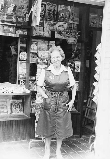 Elsa Andersson, kioskinnehavare. Kiosken kallades Elsas kiosk.