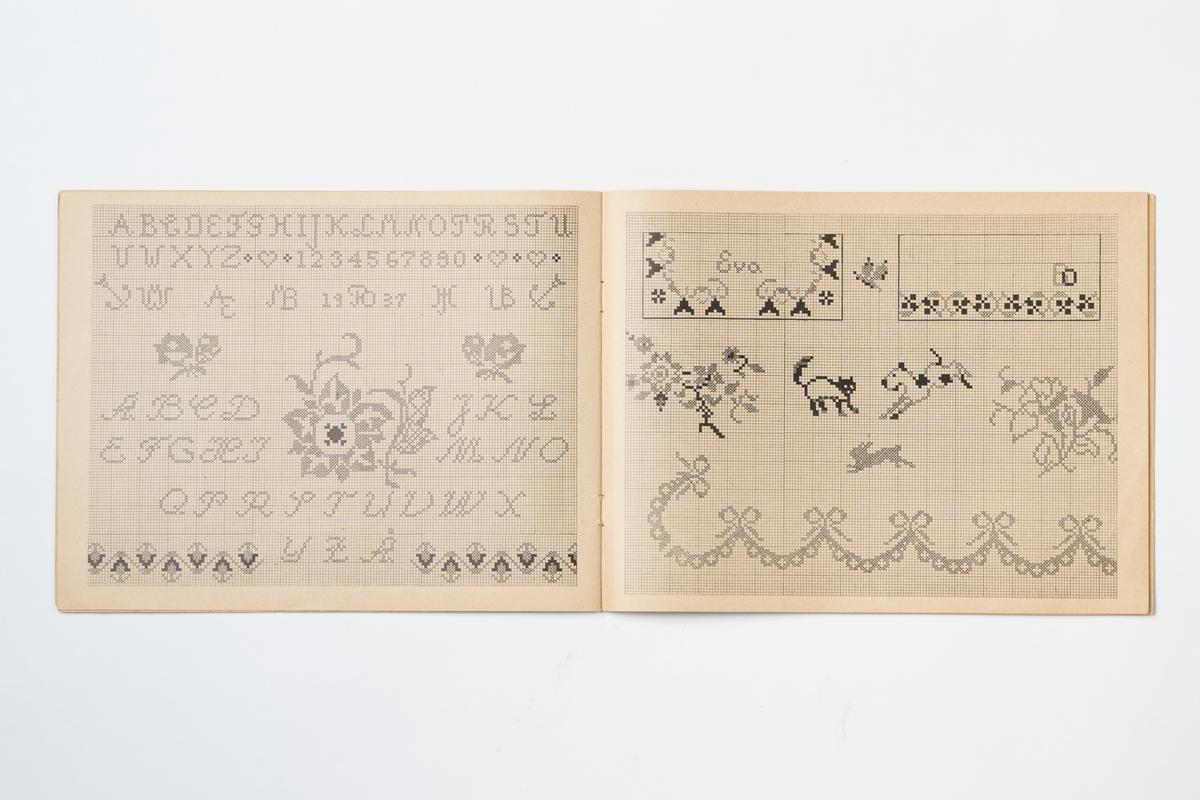"""Broderimönster, märkbok med monogram, mönster och korsstygn med mera. Svart tryck på beige papper. På baksidan tryckt text: """"No 2""""."""