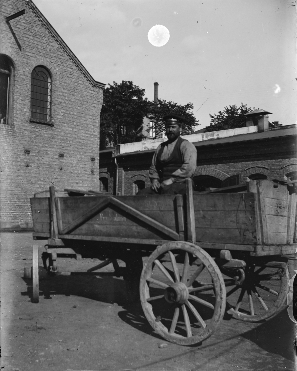 En arbeider i trevogn