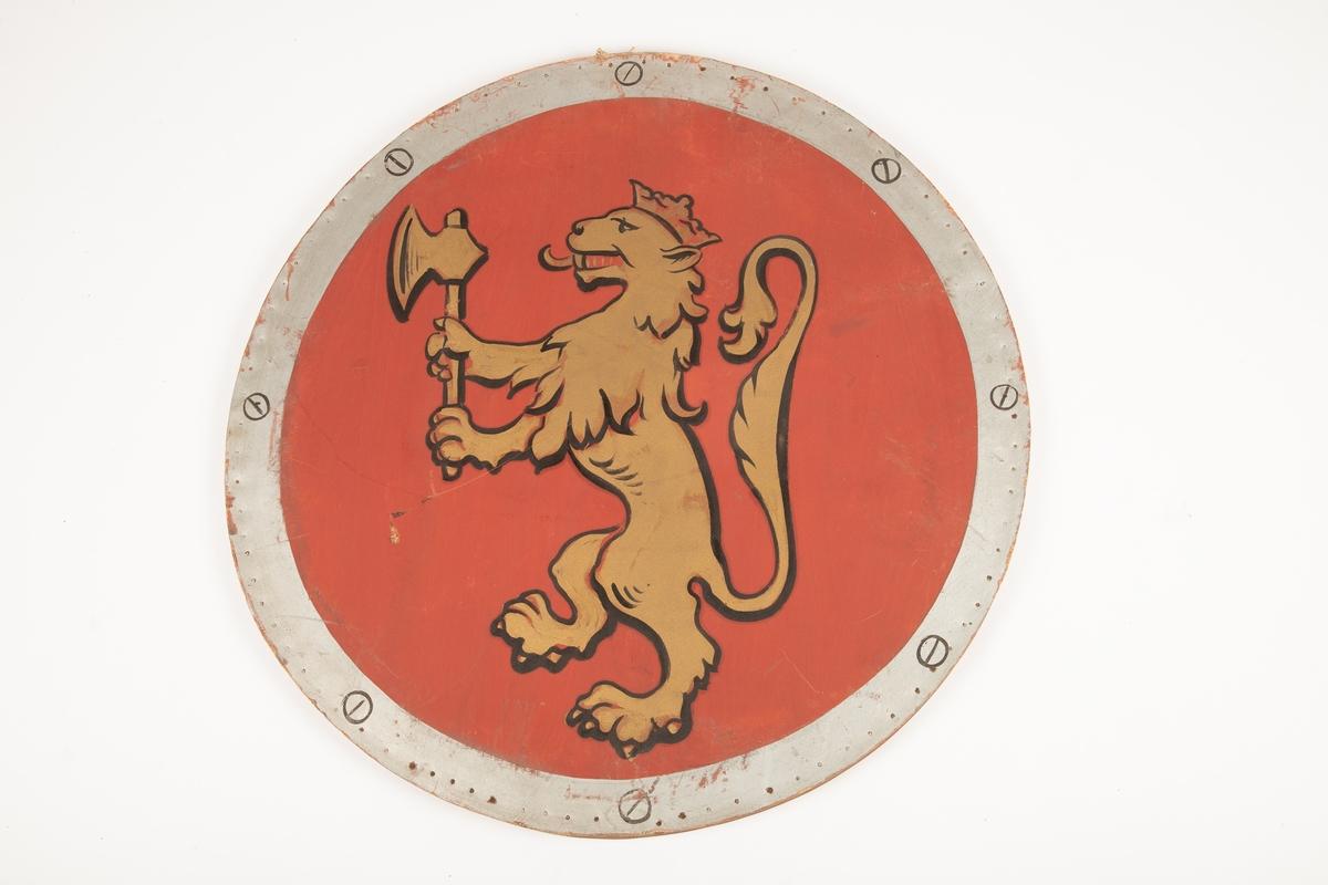 Den norske løve i sort kontur, gul, på rød