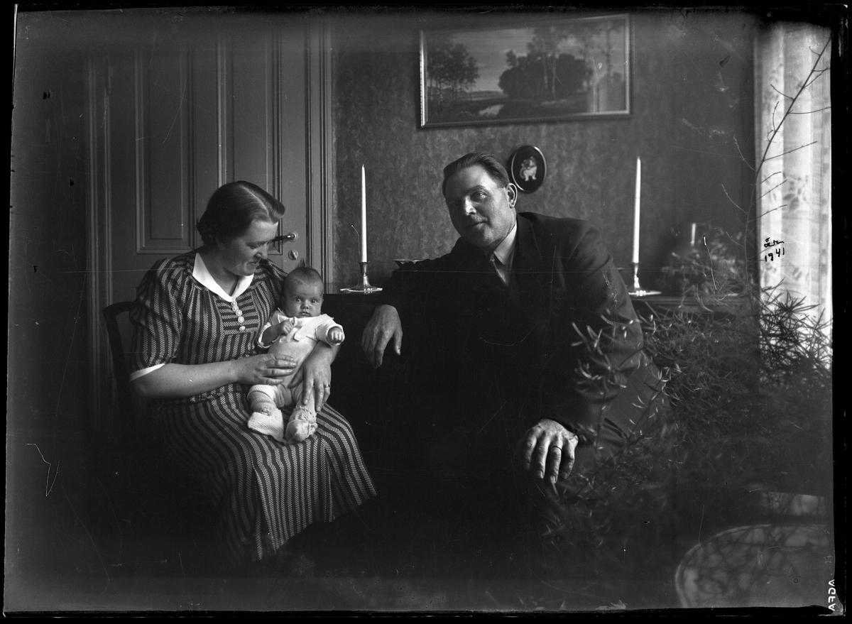 Familj med spädbarn