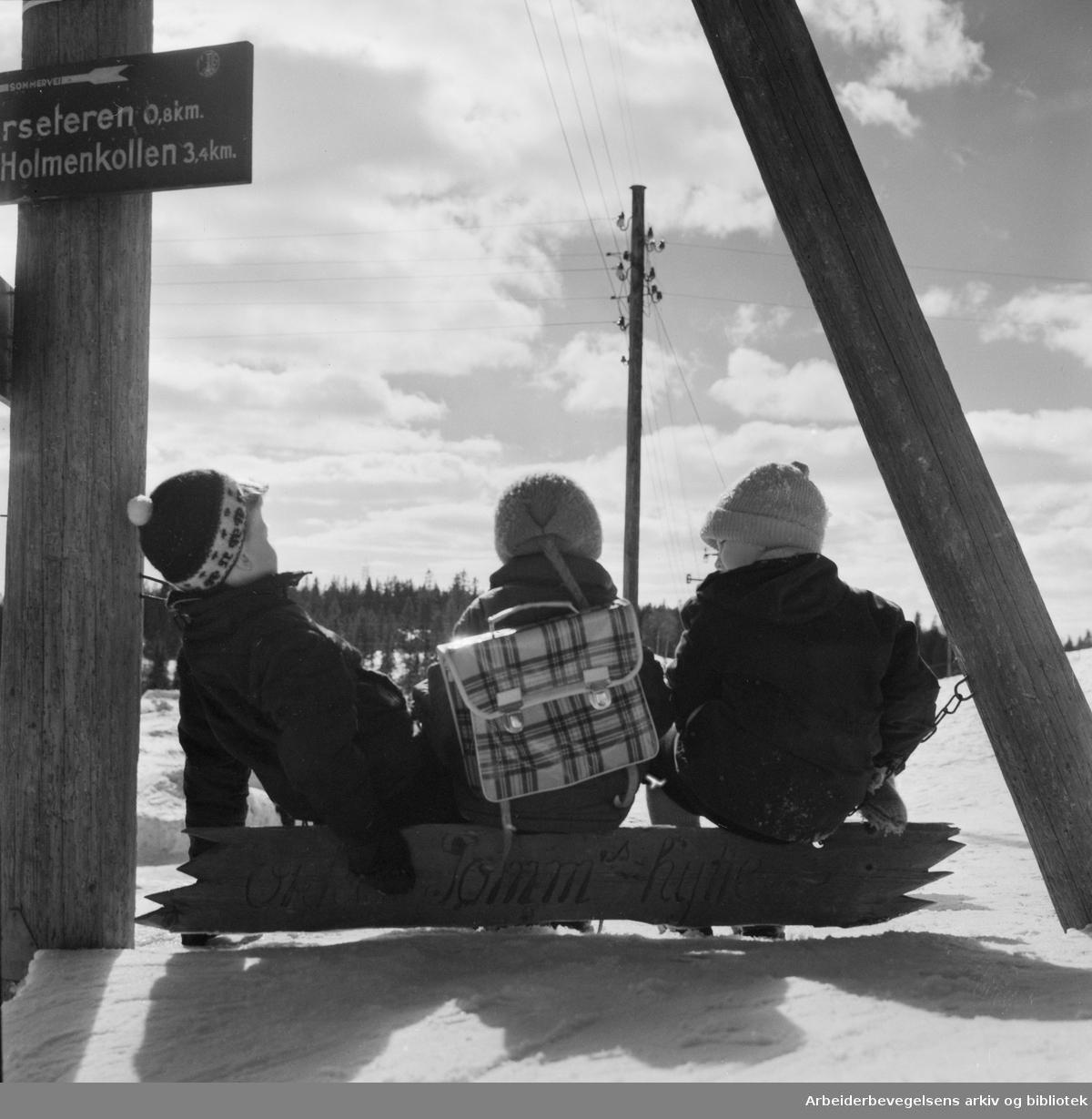 Barn. Tryvann i Nordmarka. April 1958.
