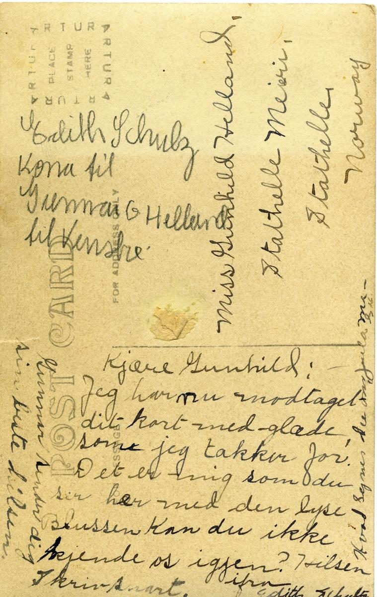 Postkort sendt frå USA til Gunhild Helland, Stathelle.  Til venstre er Edith Schulz, kona til Gunnar G. Helland.