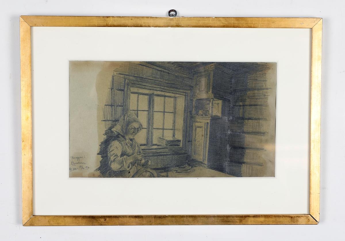 Kvinne som spinner, sitter ved et vindu. Gammelt skap til høyre i bakgrunnen.