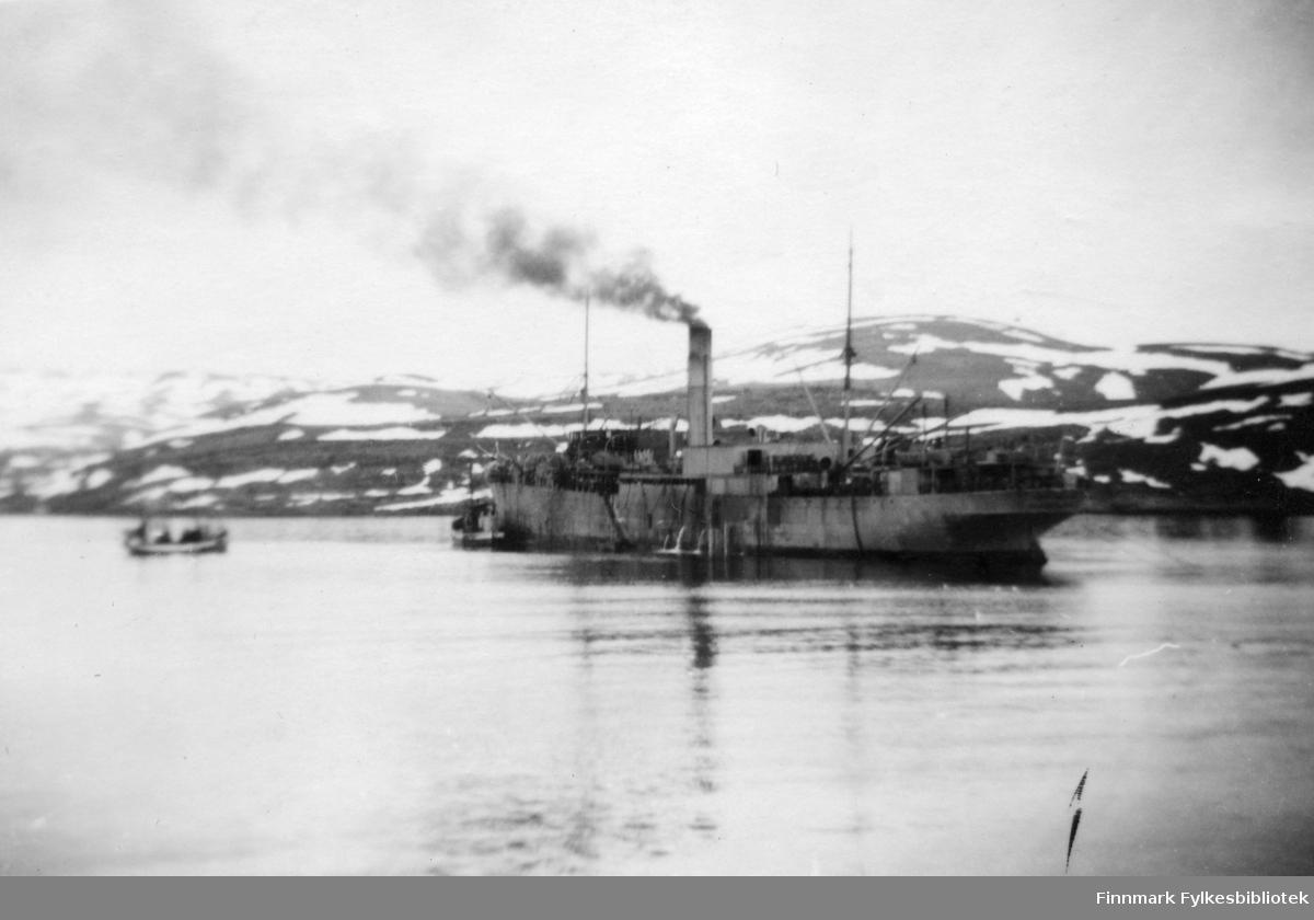 Et av de første fabrikkskip Thorland. Wermacht hadde installert avanserte maskiner i dette skipet for å effektivisere fiskeproduksjonen under krigen.
