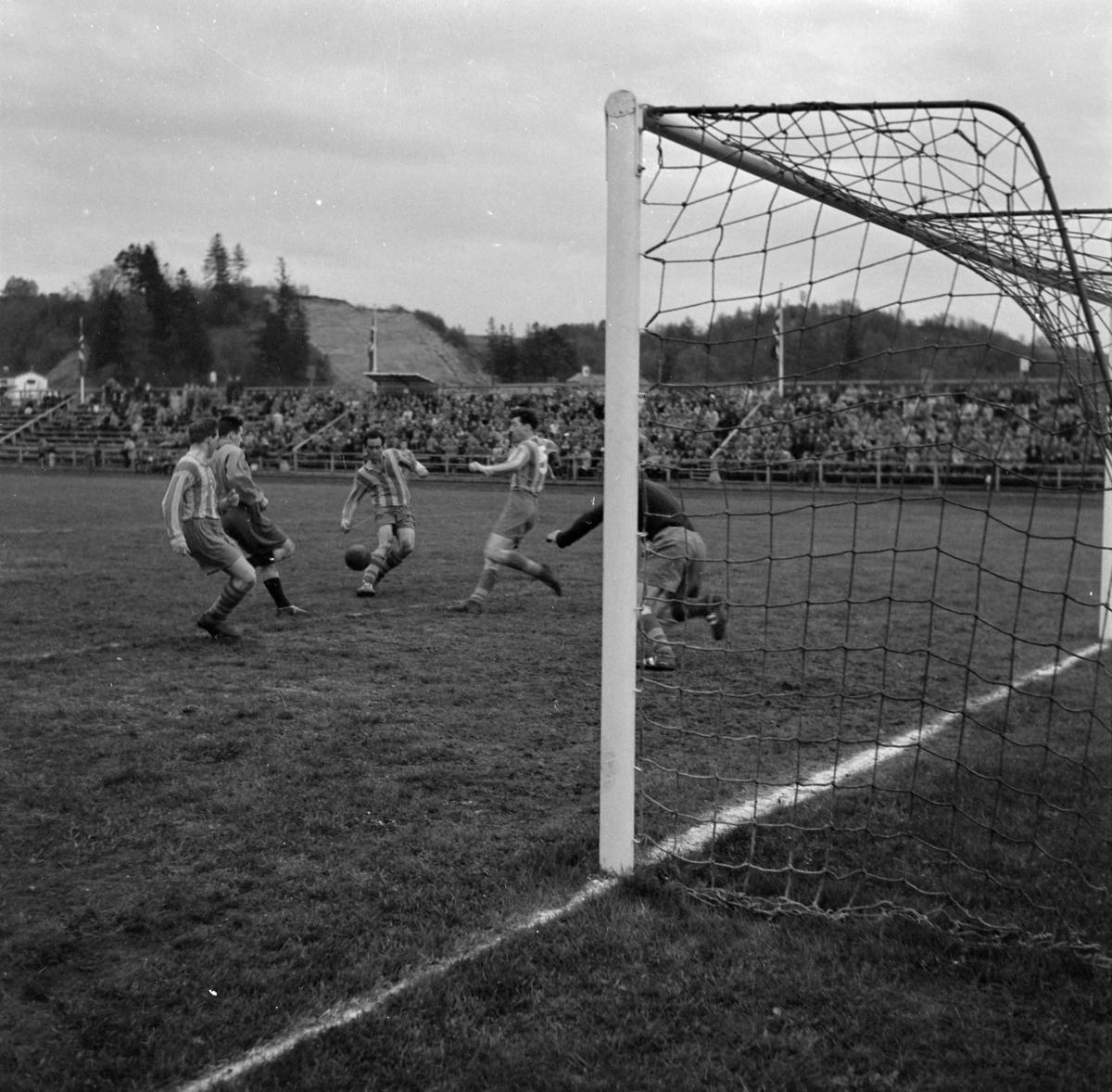 Fotballkamp mellom Steinkjer og Falken