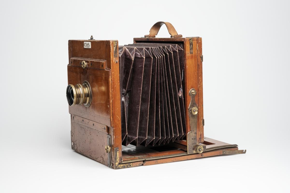 View kamera til feltfotografering produsert av Goertz og solgt i Norge av J. L. Nerlien.