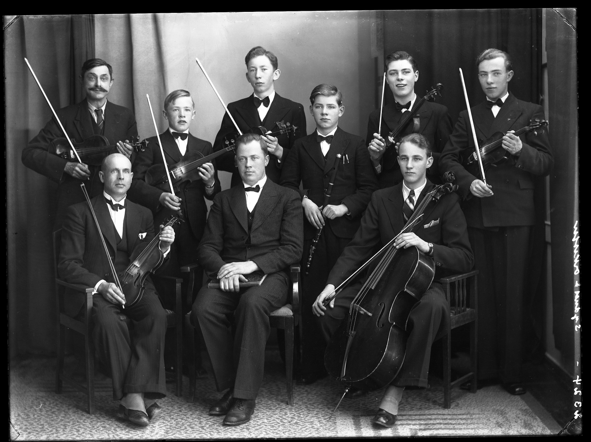 9 manns orkestergruppe