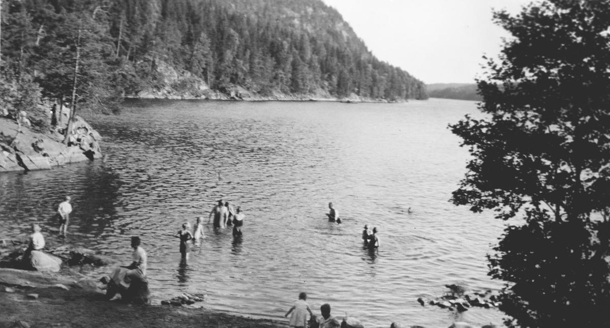 Bading i Gjersjøen, Eidsted.