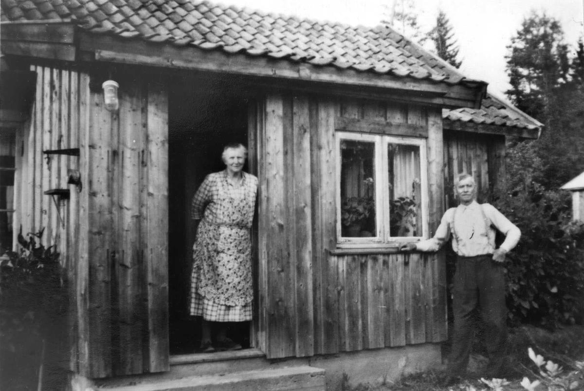 Vegvokter Adolf Kristiansen og hustru Therese.