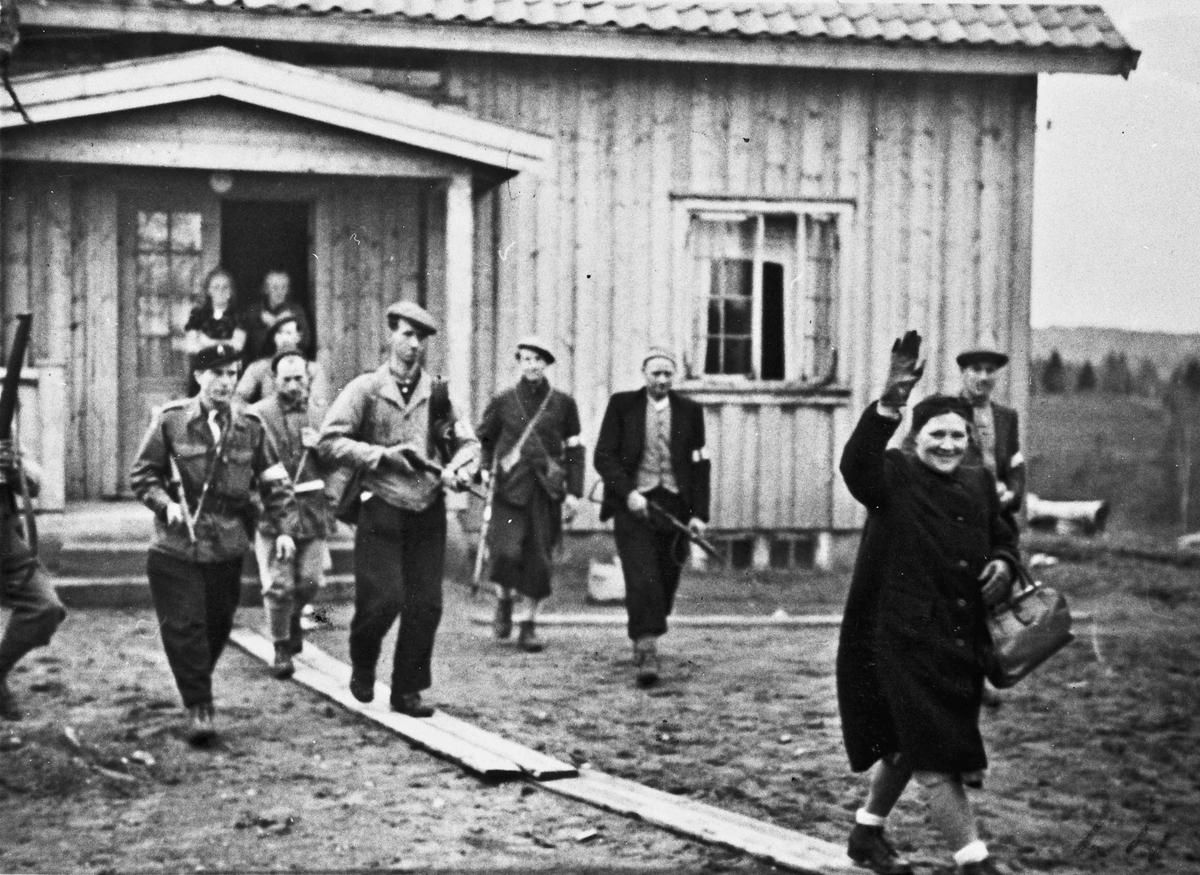 Arrestasjon av kona til kretsleder i NS Helge Løken, på Løken gård på Bøn.