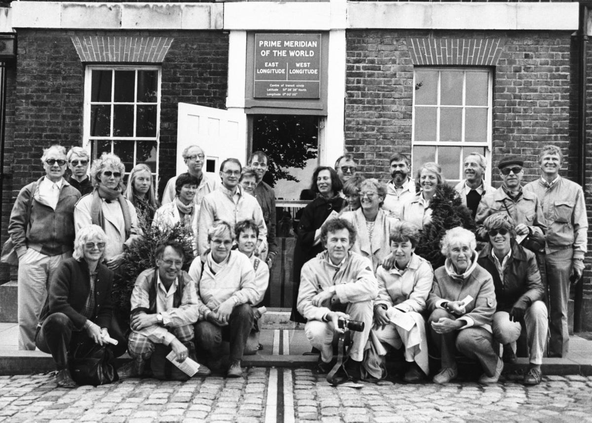 Lærere ved Furnes ungdomskole på skoletur til London i 1968. Ved The Prime Meridian of the World.