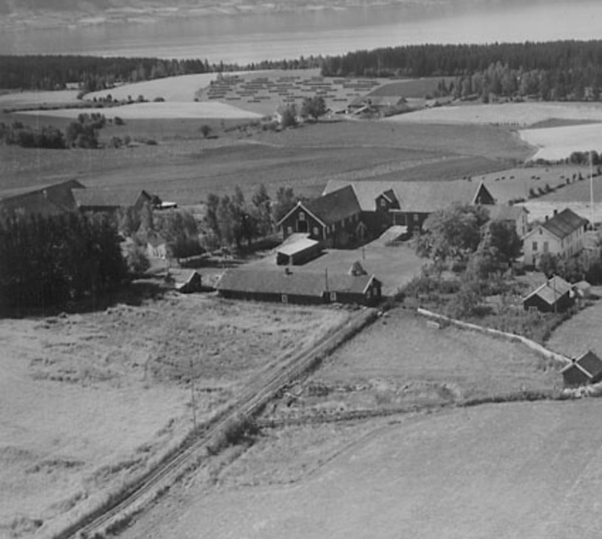 HEMSTAD GÅRD, STANGE VESTBYGD, FLYFOTO