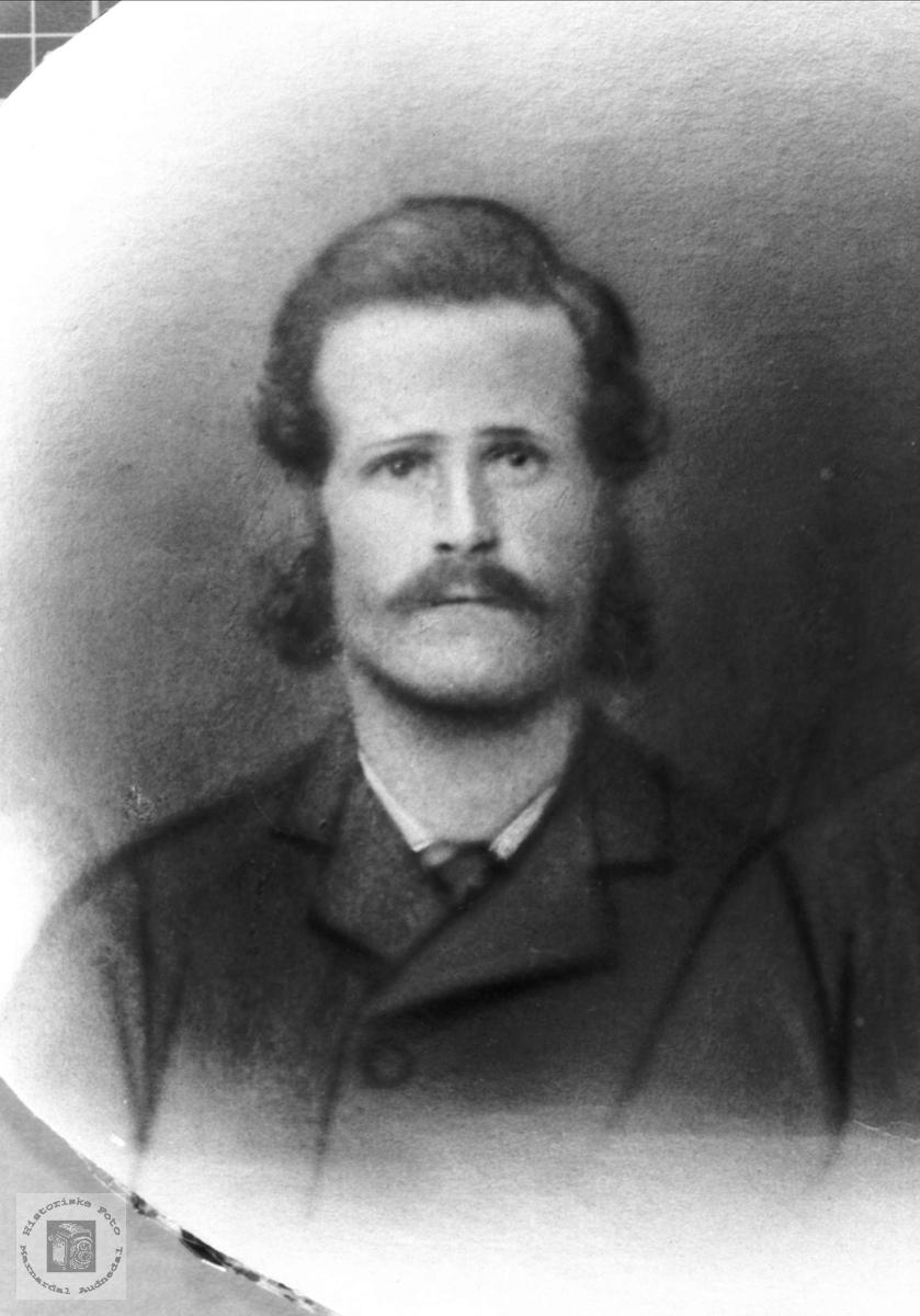 Portrett av Søren S. Strædet i Laudal.