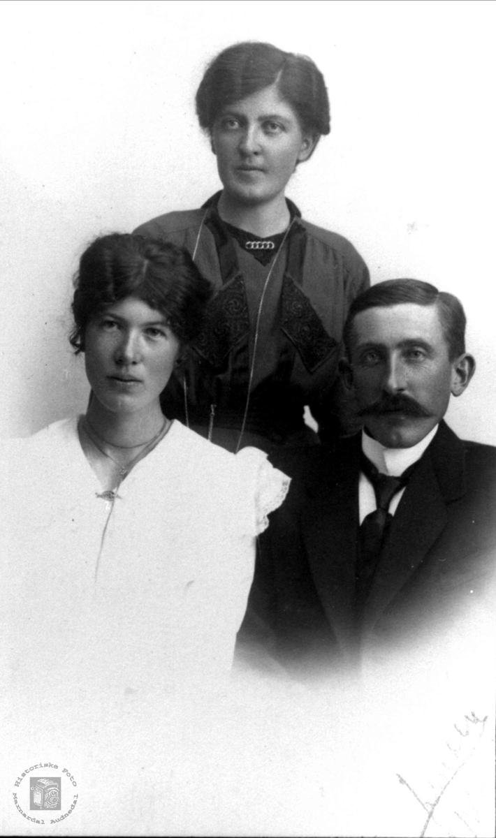 Familiegruppe Heddeland, Øyslebø.