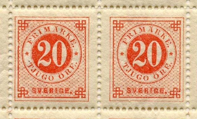 Helark bestående av 100 frimärken i valören 20 öre. Frimärket är orangerött eller orangeaktigt rött med en stående rektangulär ram och dubbla cirklar i mitten, där siffran 20 i vitt är placerad i den inre cirkeln med orangeröd bakgrund. I den yttre cirkeln med vit bakgrund står med orangeröd text: Frimärke, tjugo Öre. Längst ner texten: Sverige.