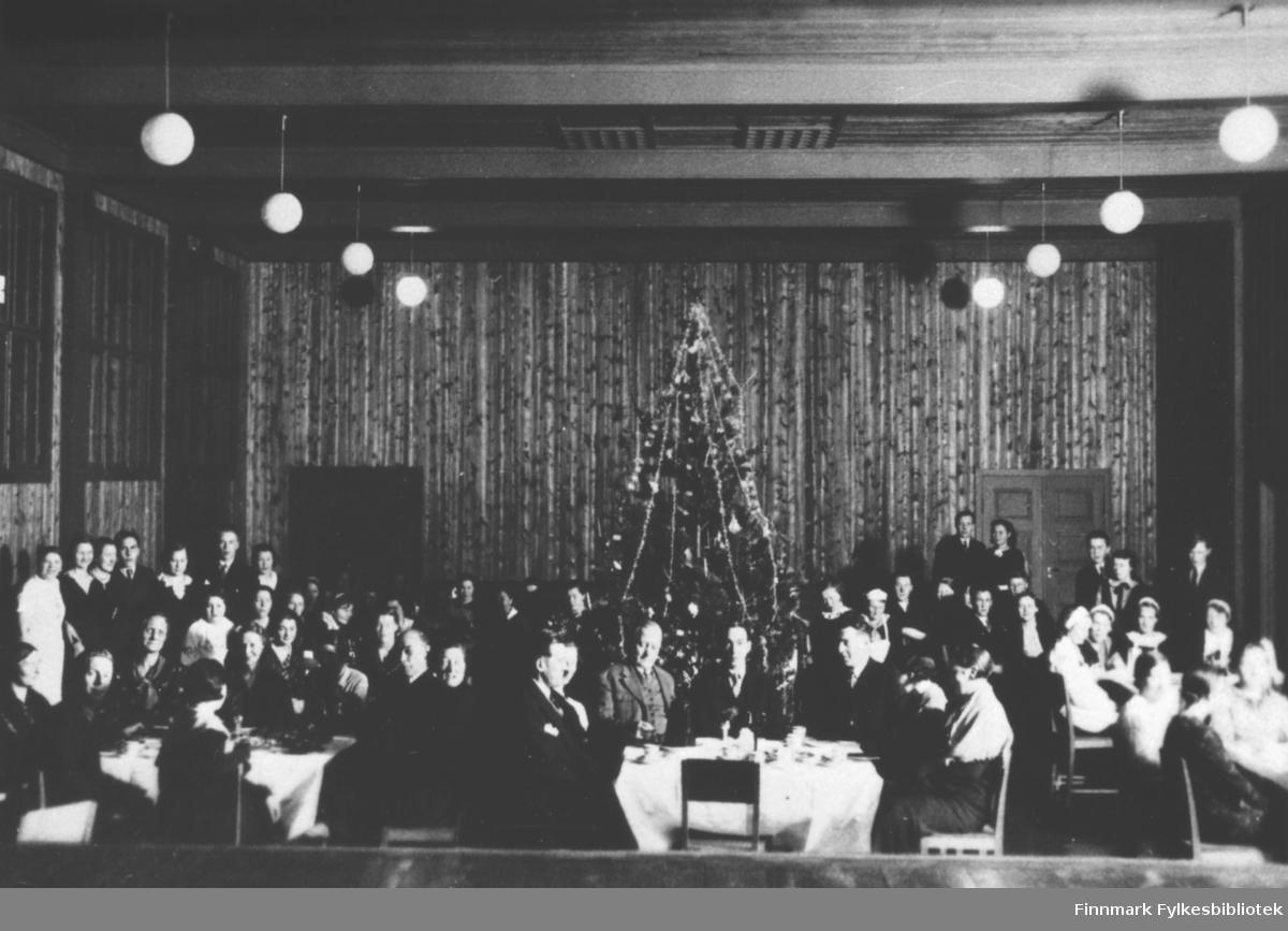 Juleavslutning ved Svanvik ungdomsskole (nå folkehøgskole).