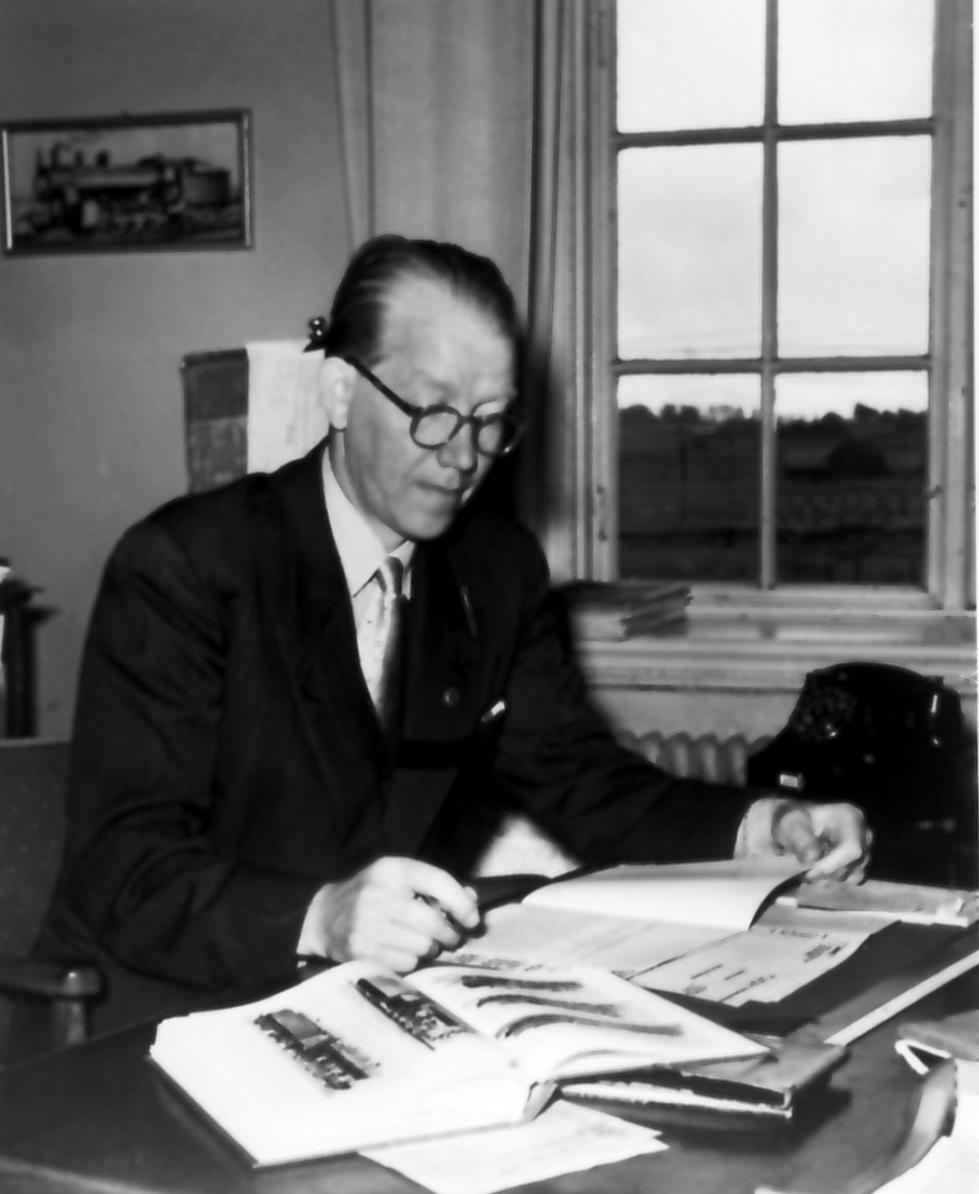 """""""T.f. Lokmästare Henning Ohlsson"""". Från utställningen """"Falköping i bild"""" 1952."""