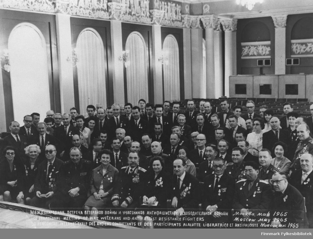 Trygve Eriksen sammen med andre veteraner fra krigen i Sovjet.