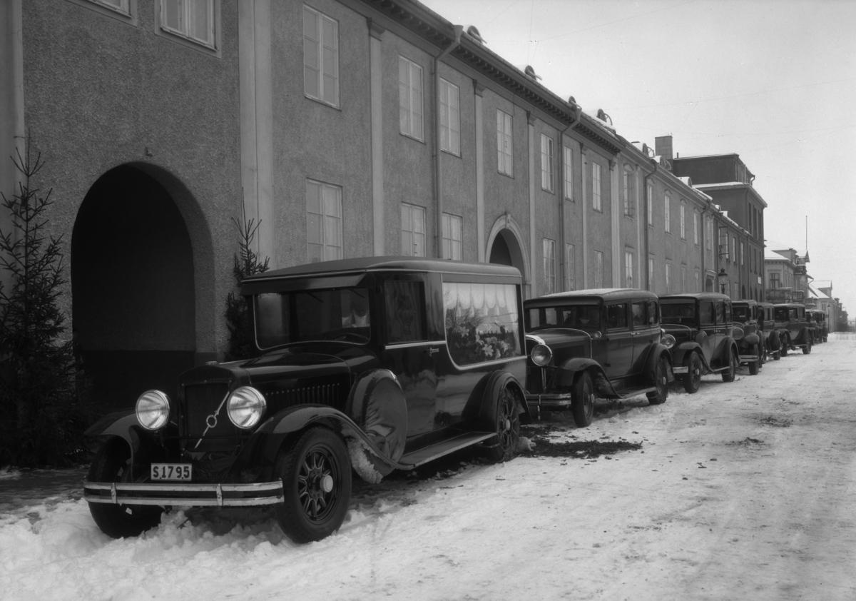 Begravningsprocession längs Herrhagsgatan år 1934.