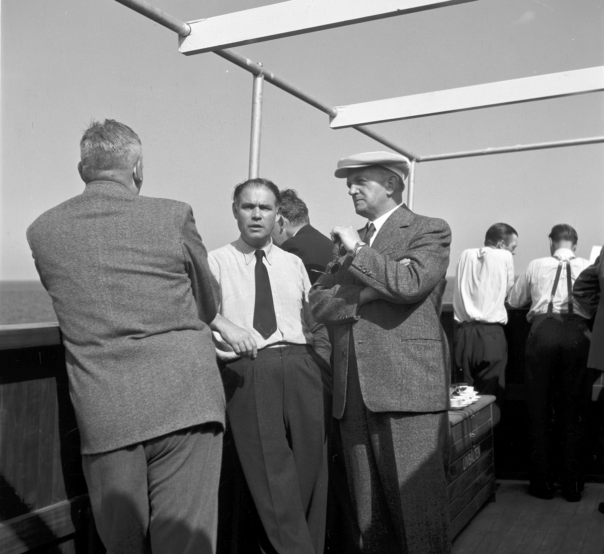 17 oktober. Fred Olson Udén AB, Verkebäck. Gävle Varv anlades 1873. Efter en konkurs 1921 bildades Gefle Varfvs och Verkstads Nya AB, som bland annat tillverkade oljecisterner och utrustningar till pappersmassefabriker. På 1940-talet återupptogs skeppsbyggeriet.