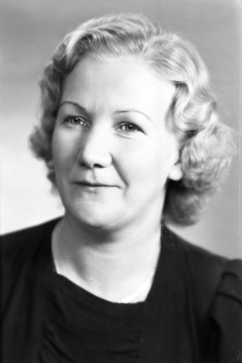 Fröken Linnéa Norin, Upplandsbodarna. 30 oktober 1944.
